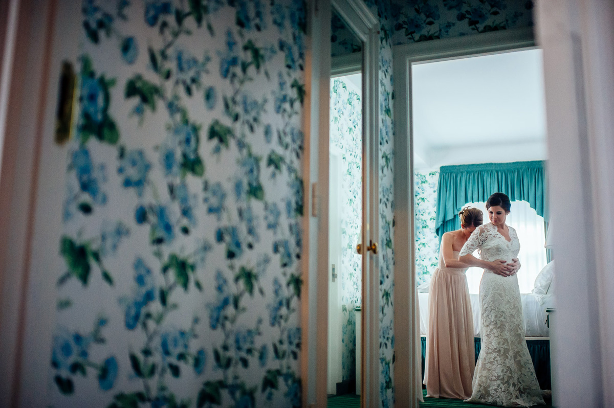greenbrier resort bride getting ready by pittsburgh wedding photographers the oberports