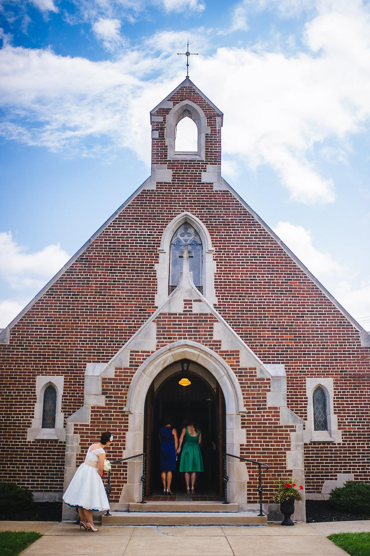 ohio church ceremony bride peeking around corner