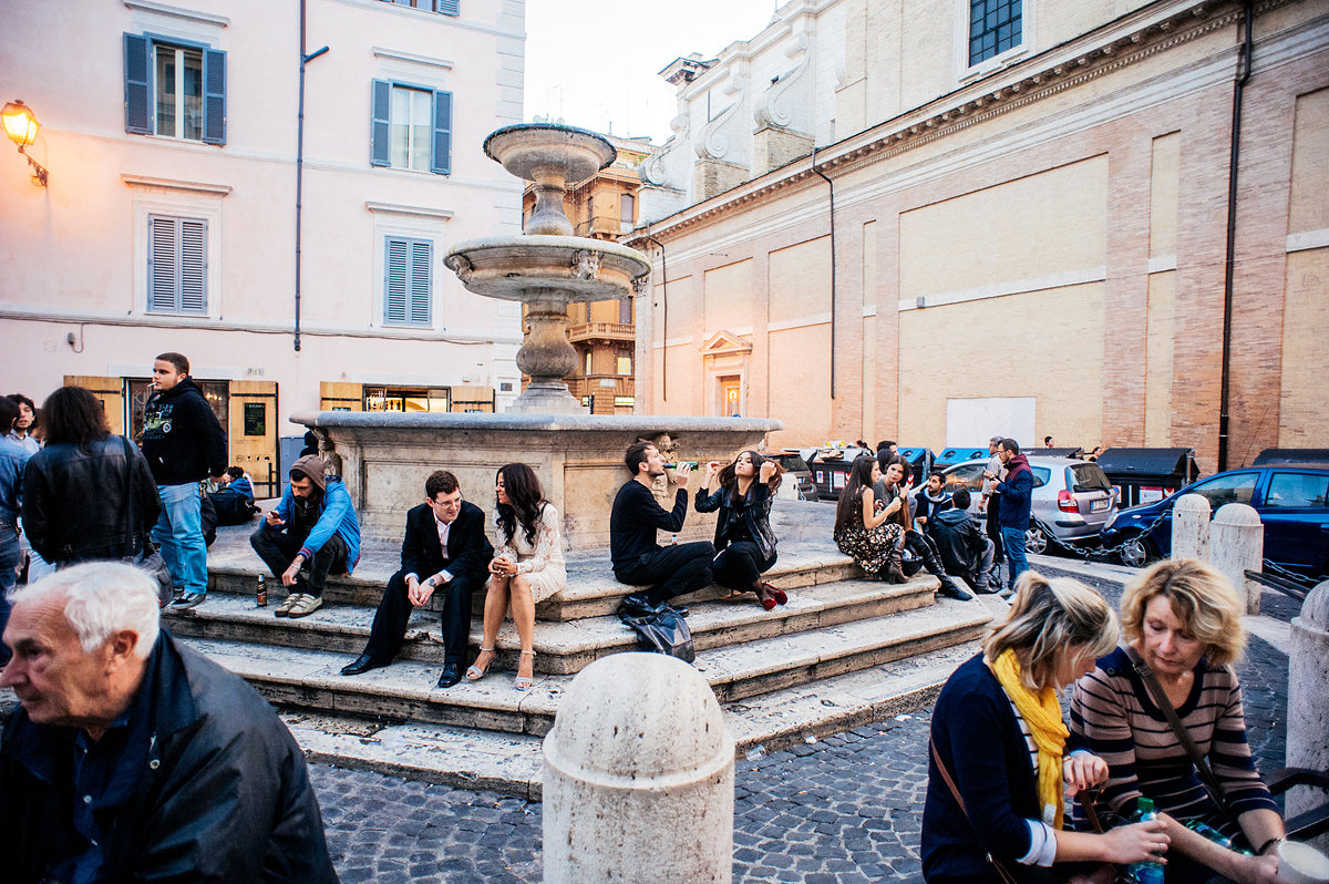 elopement photos in rome by destination wedding photographers the oberports