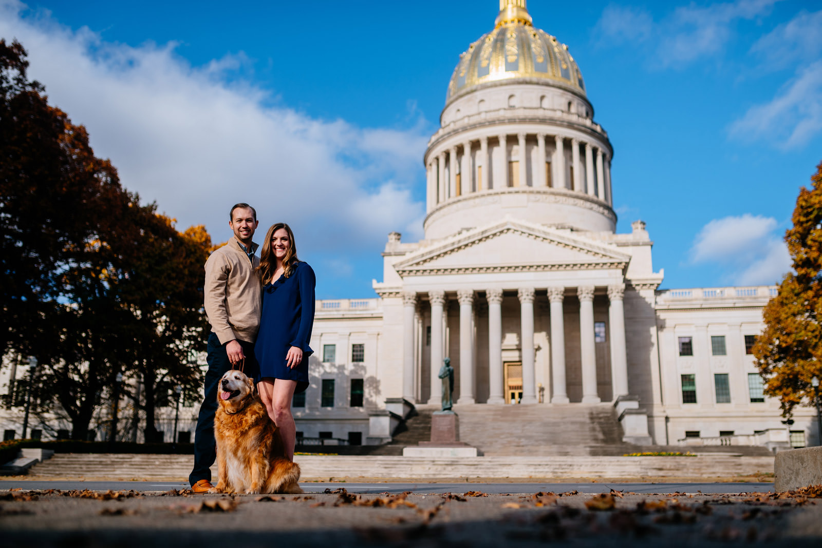 couple in front ofcharleston west virginia capitol building