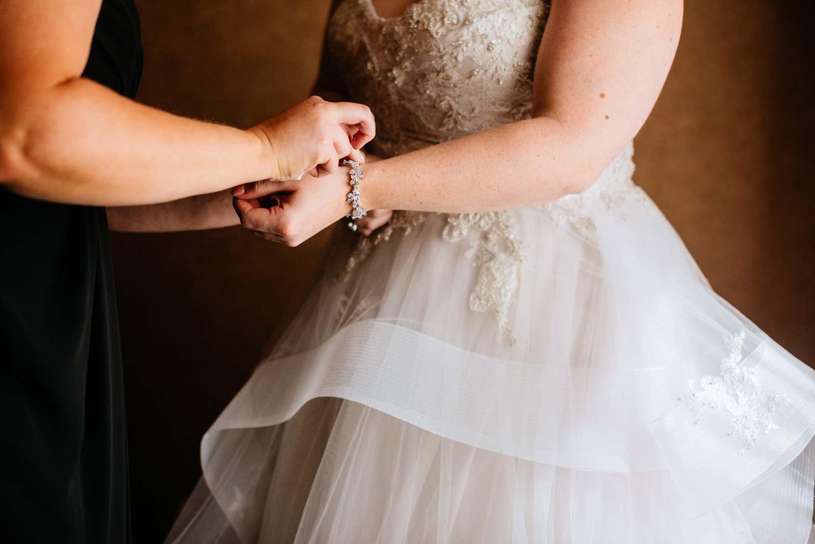 charleston wv bride getting ready