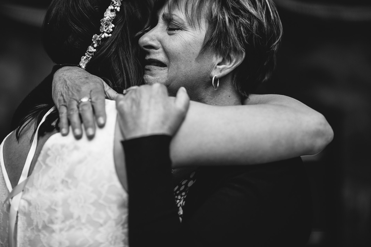 emotional candid moments at weddings