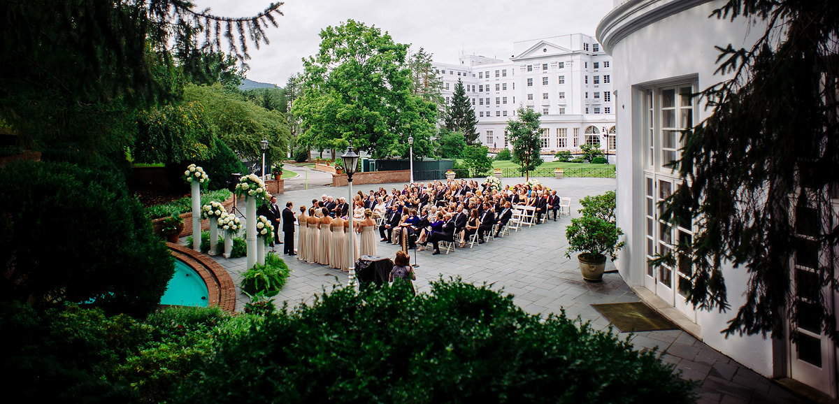greenbrier resort wedding ceremony first kiss