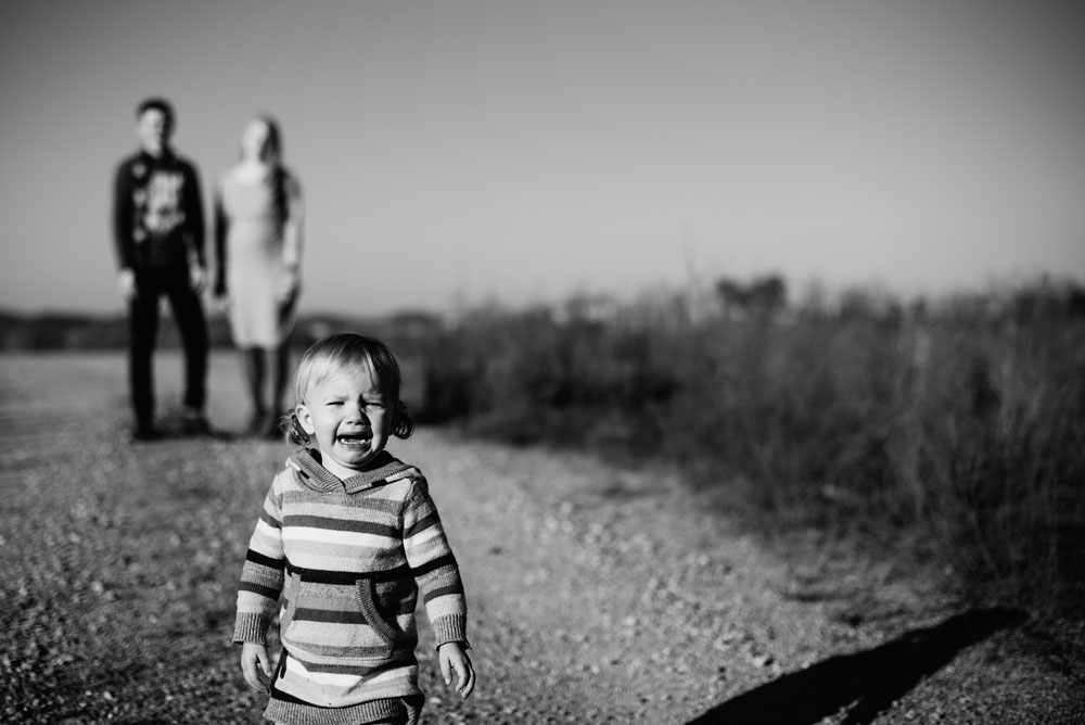 kid crying at portrait session