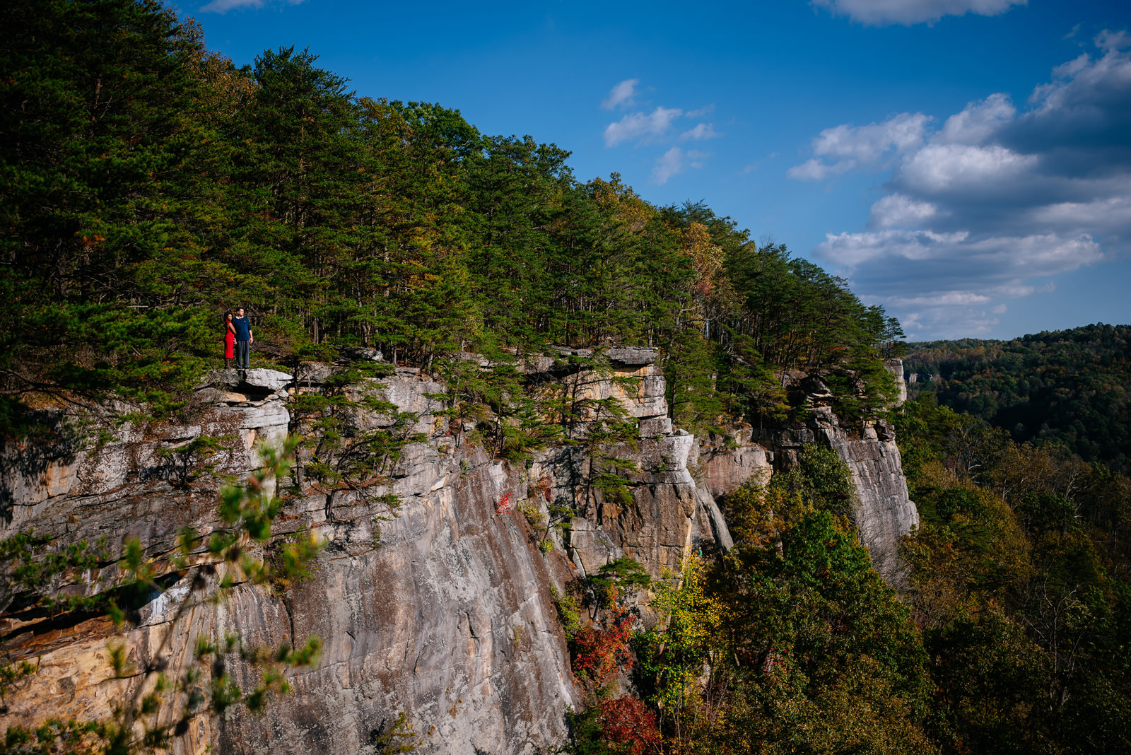 scenic endless wall new river gorge engagement pics fayetteville wv