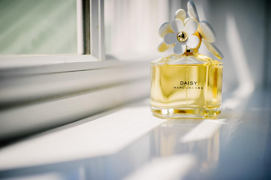 marc jacobs daisy perfume wedding