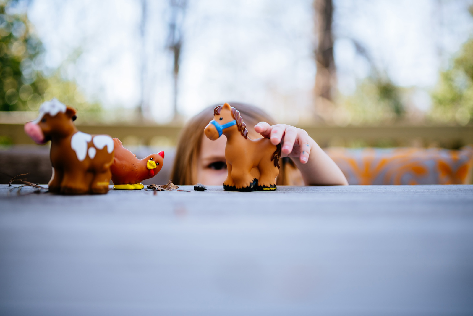 kid playing lifestyle family photography