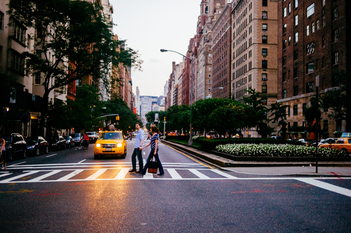 nyc manhattan engagement photos crosswalk at dusk