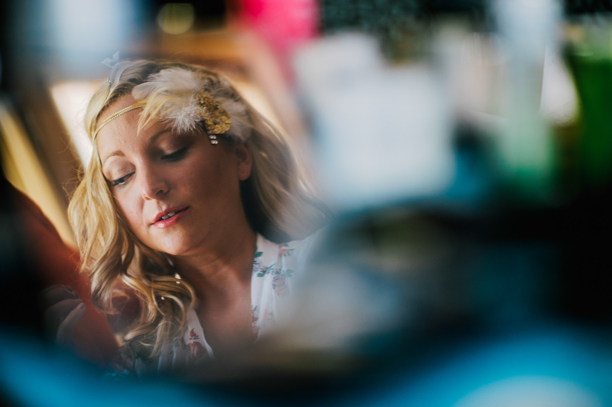 bride getting ready by the oberports