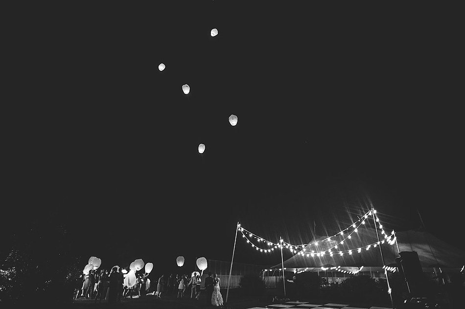 creative sky lantern photo black and white photojournalism by pittsburgh wedding photographers the oberports
