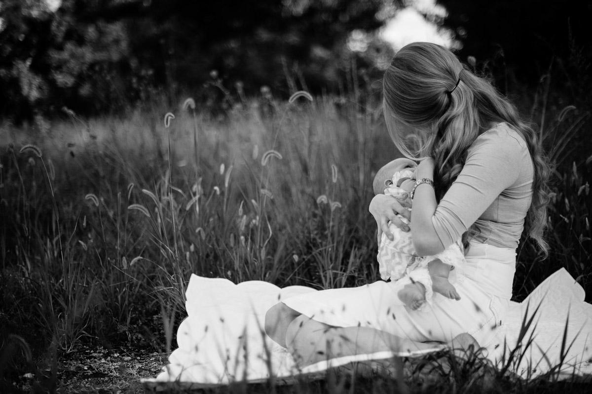 beautiful breastfeeding portrait