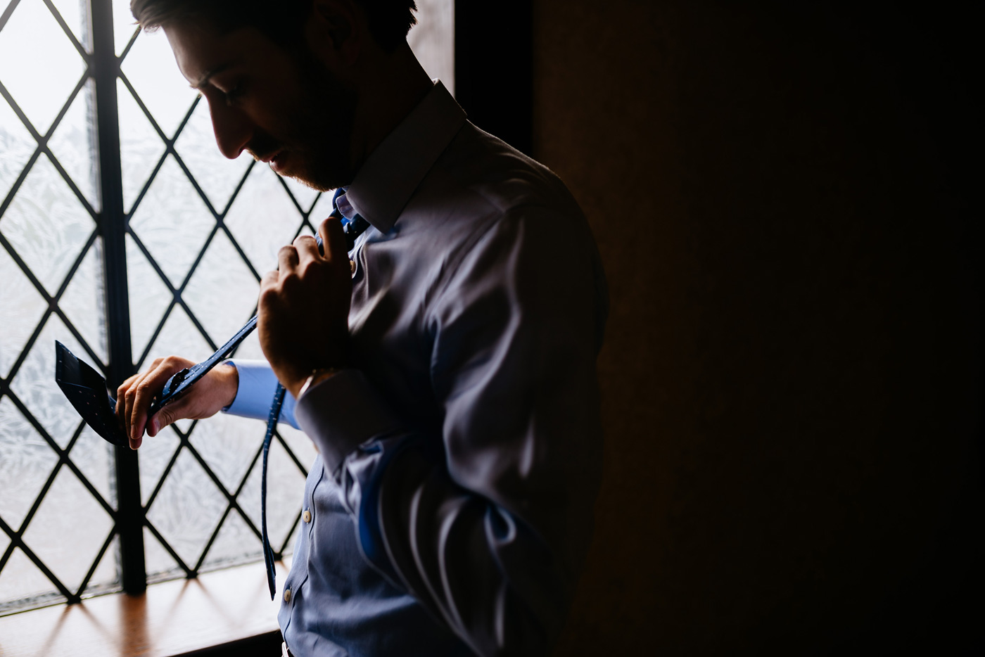 groom getting ready at country club pittsburgh pa