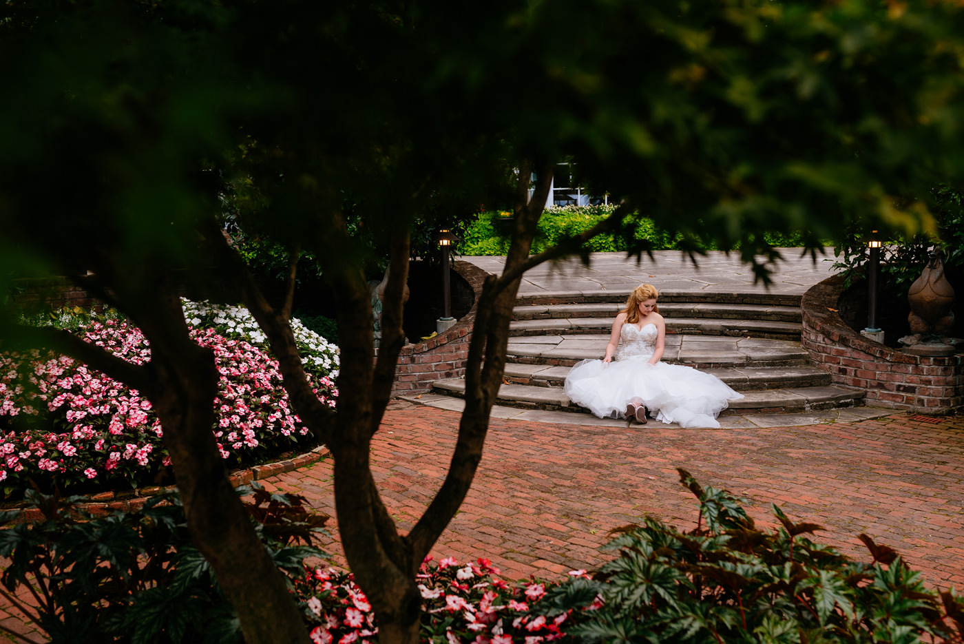 greenbrier resort garden bridal photos