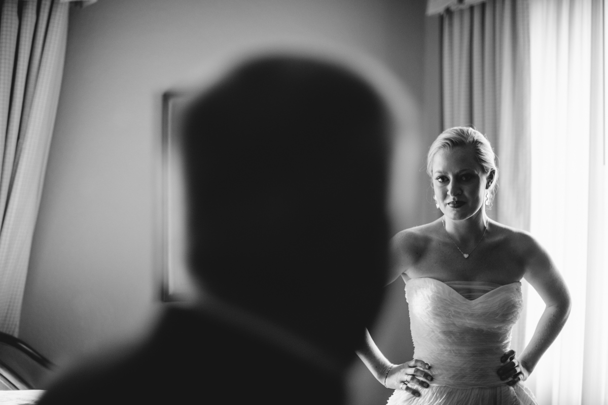 bride seeing father for the first time