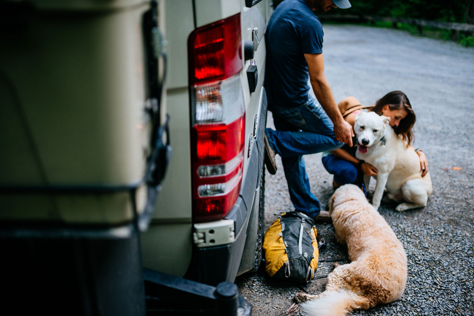 camper airstream engagement session