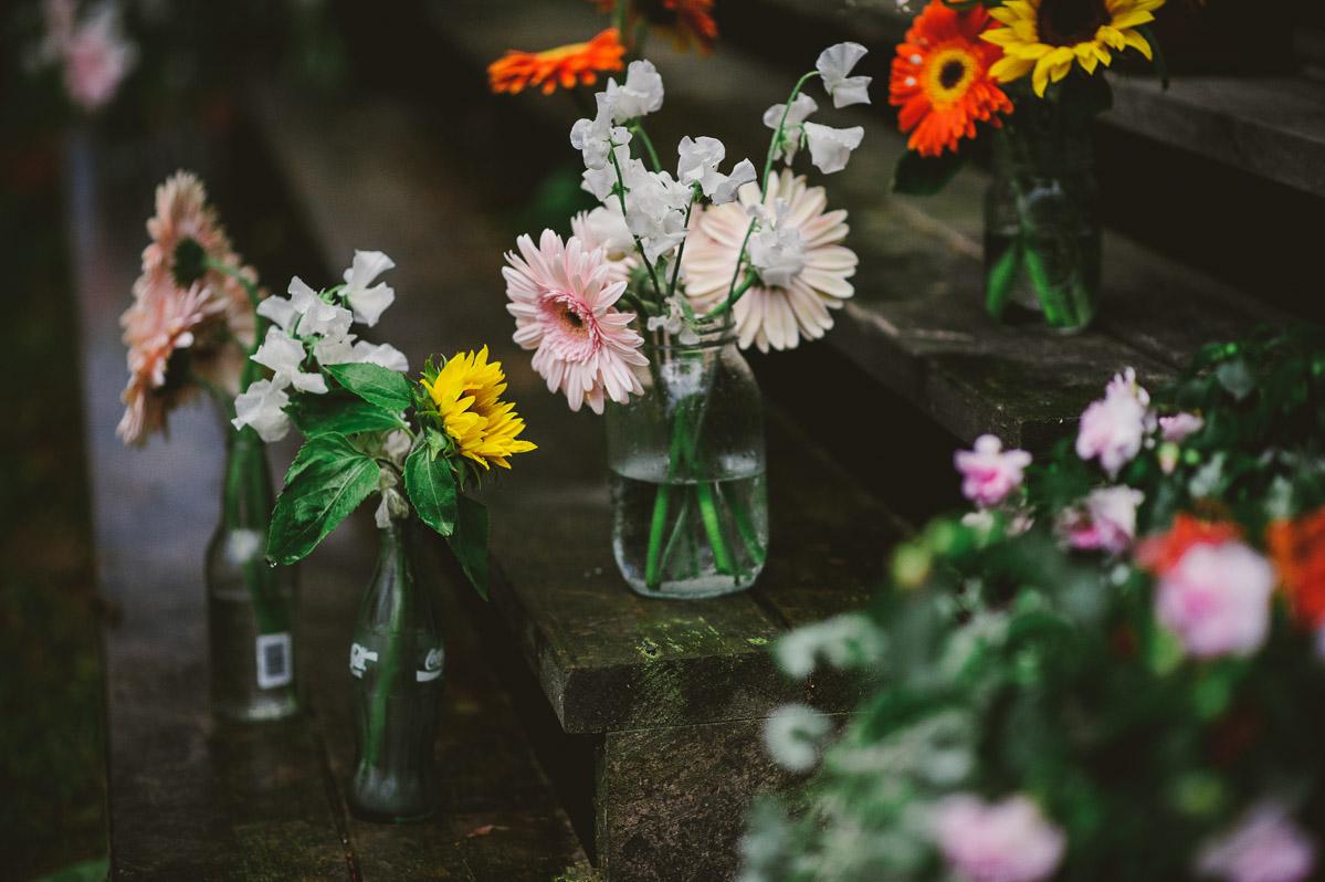 diy wedding flower arrangements bottles jars