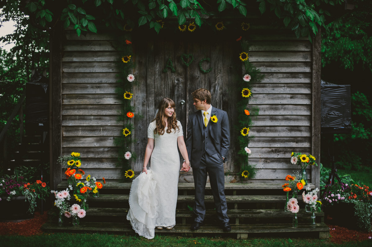backyard diy fayetteville wedding photos by the oberports