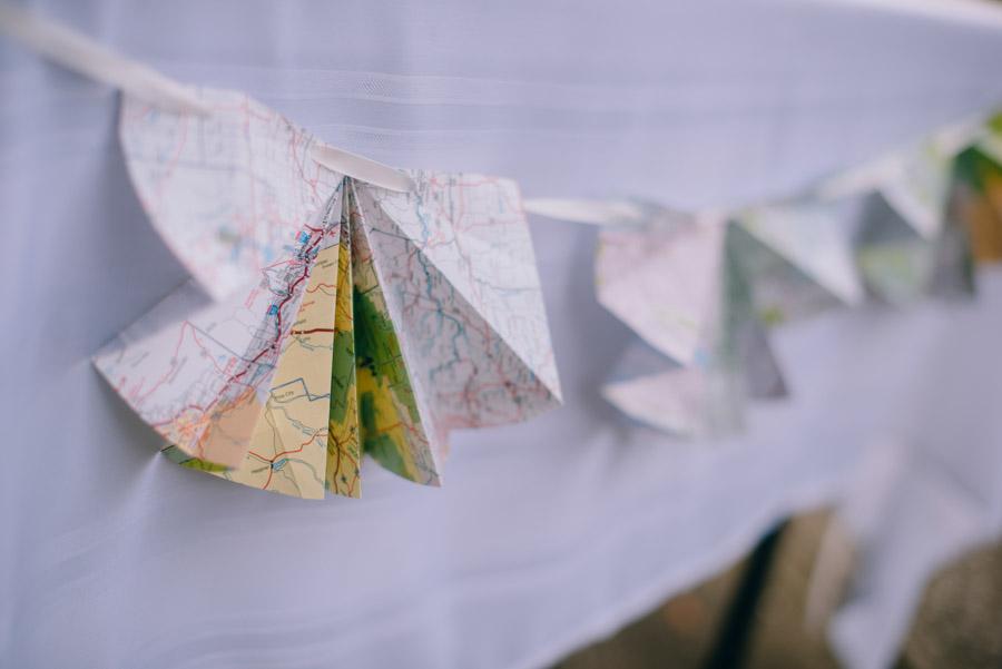 using maps in wedding decor