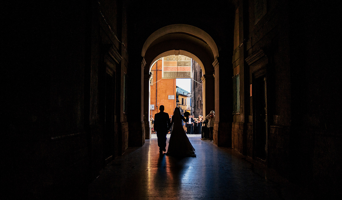 rieti italy wedding silhuoette photojournalism by destination wedding photographers the oberports