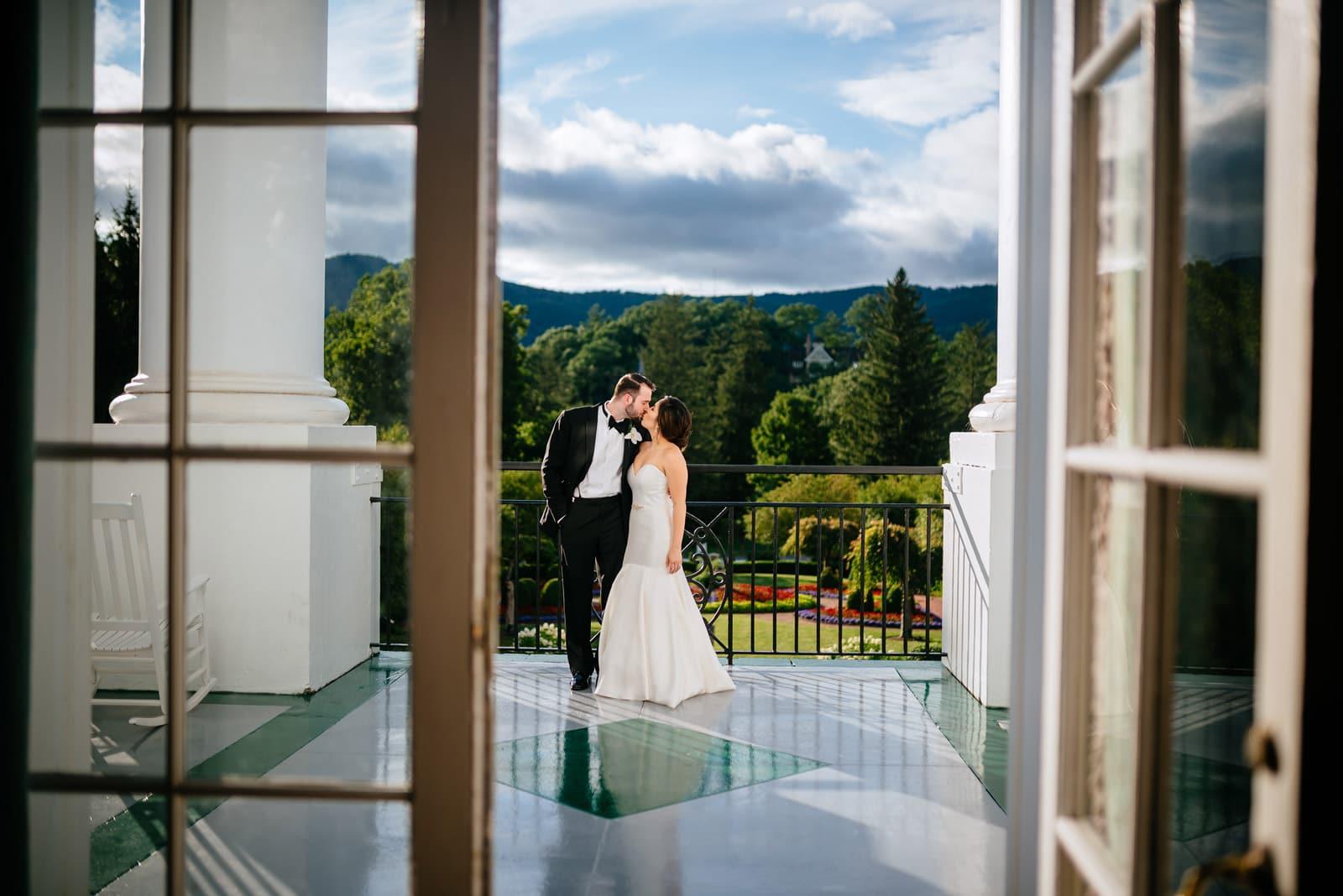 romantic greenbrier resort wedding photography