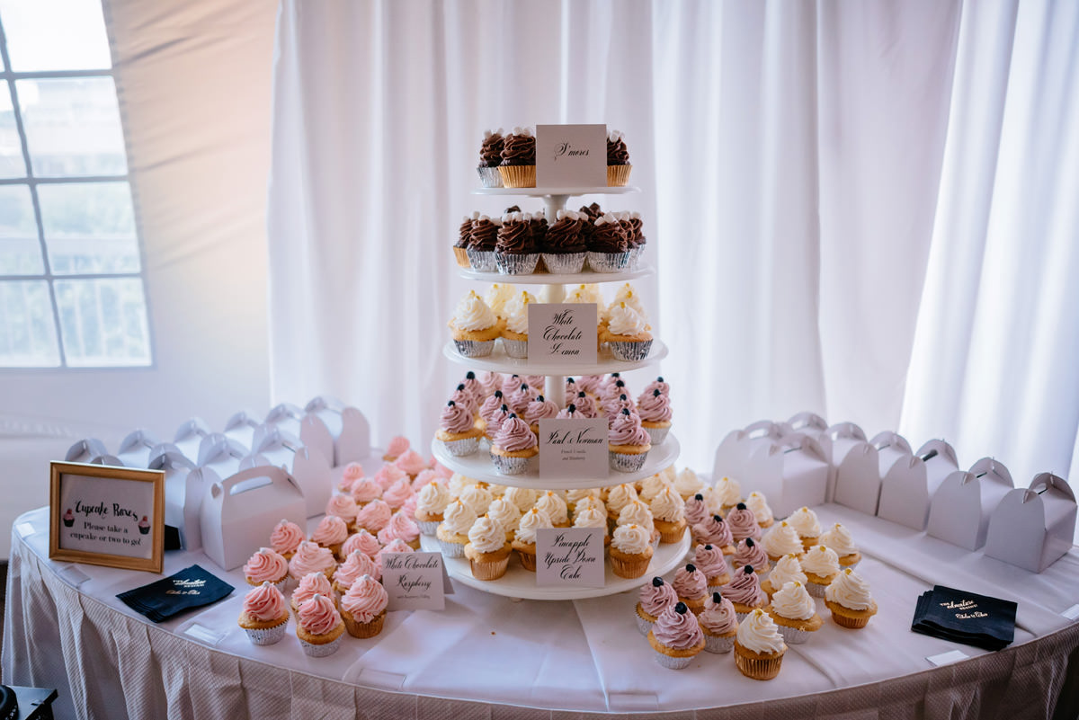 wedding cupcakes by sweet confections