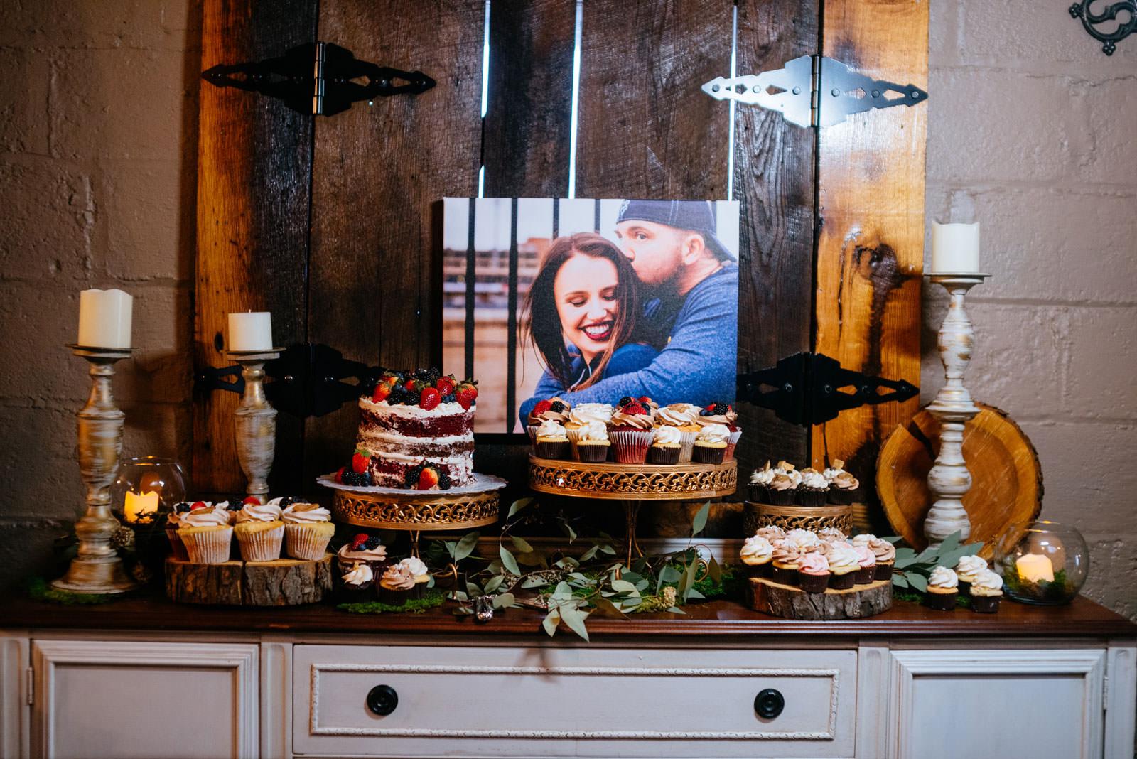 cupcake table wedding details
