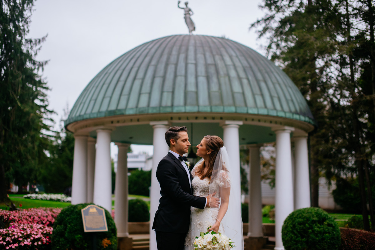 greenbrier resort spring house bride and groom portraits