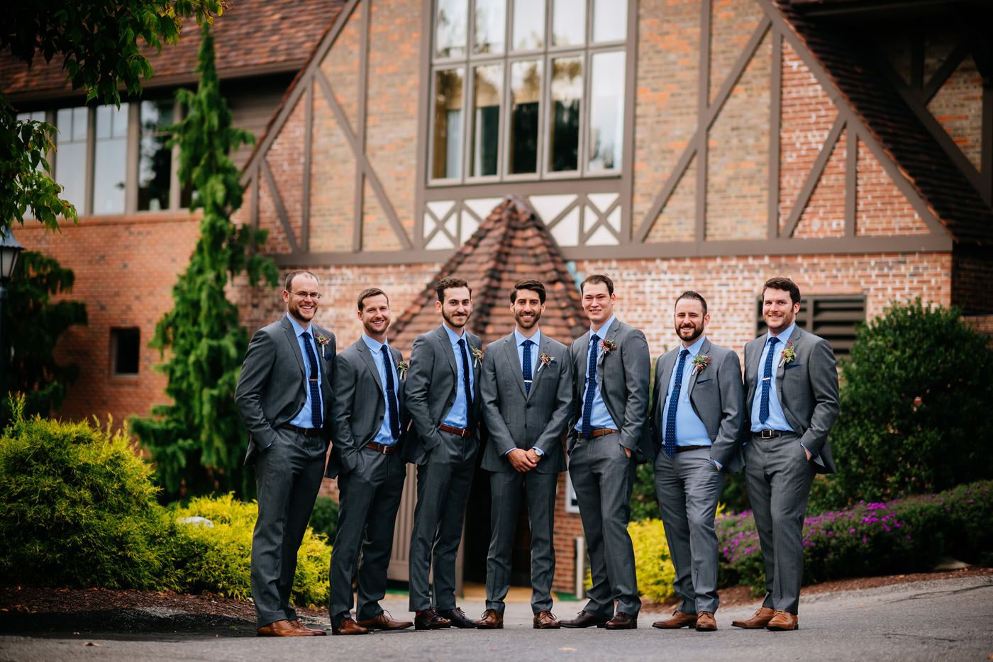 pittsburgh groom with groomsmen pic