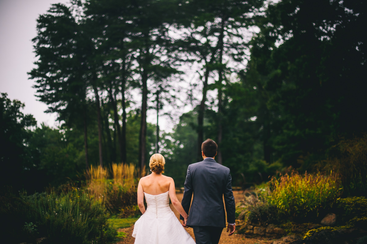 wedding pictures at laurelwood farm on signal mountain