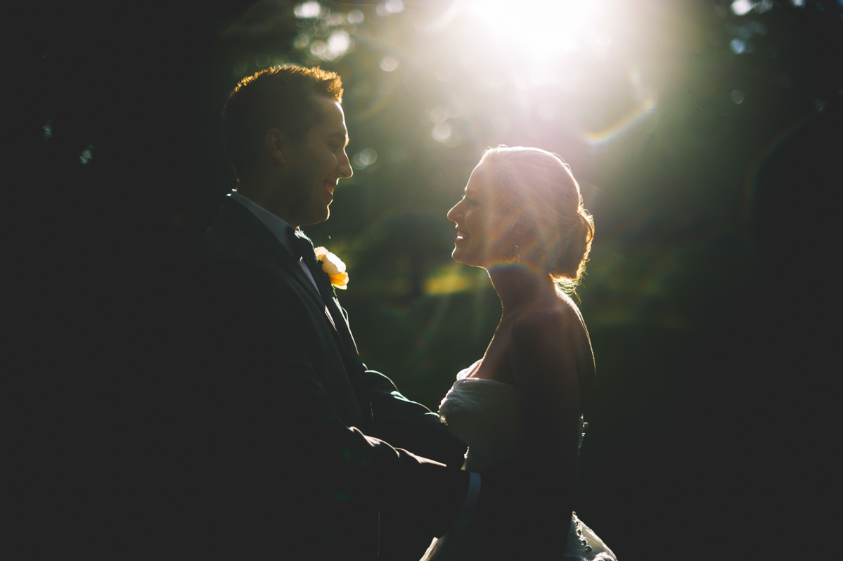 beautiful backlight photos of bride and groom