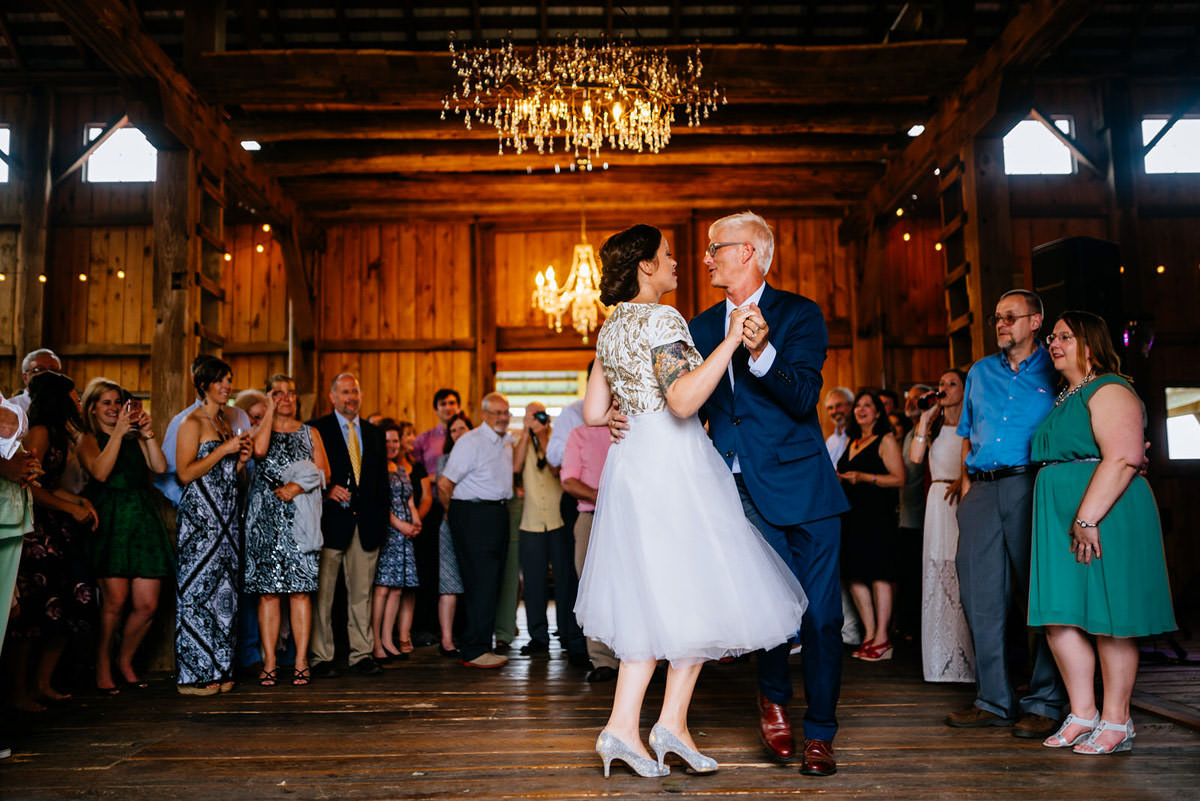 rustic acres pittsburgh wedding first dance