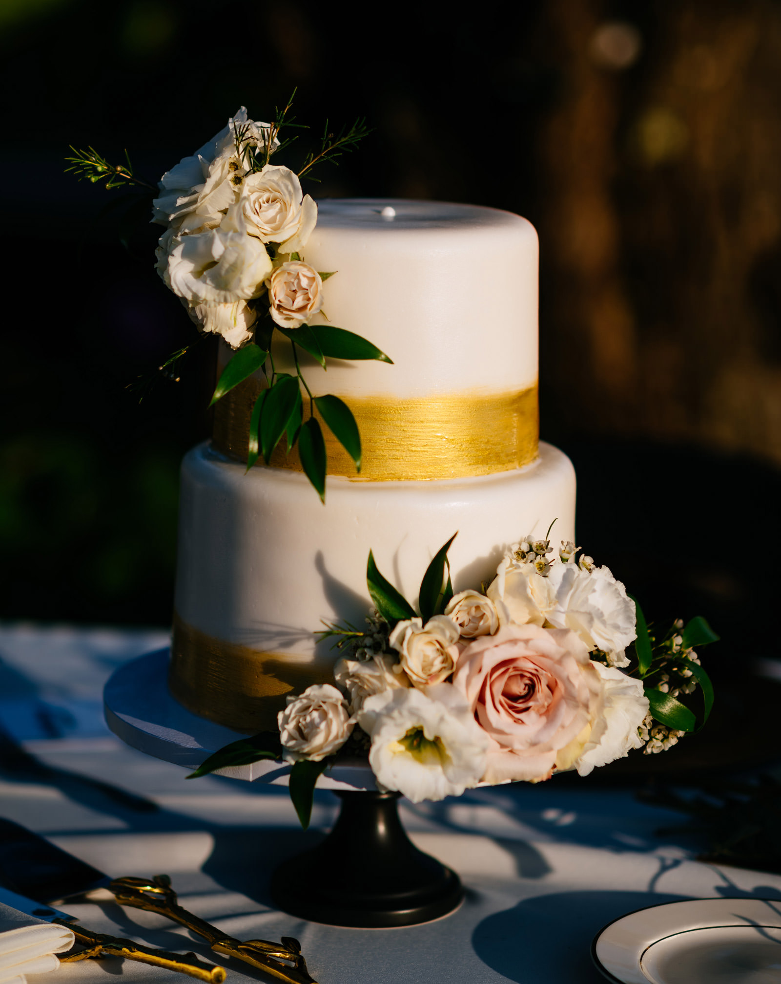 heavenly confections wedding cake