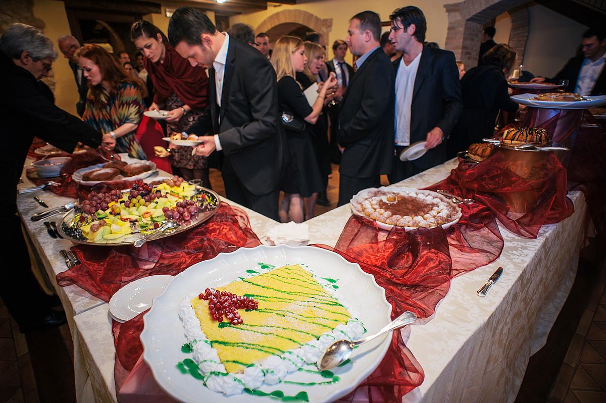 destination foodie wedding italy desserts