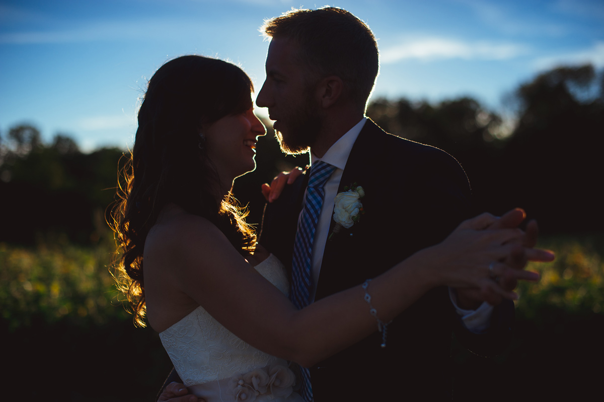 gorgeous first dance photos at sunset