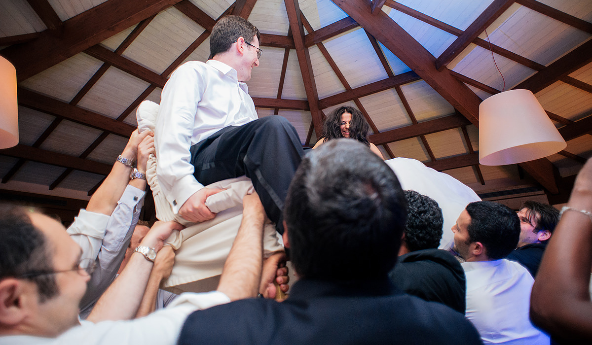 destination wedding photography rieti italy colle aluffi hora dance