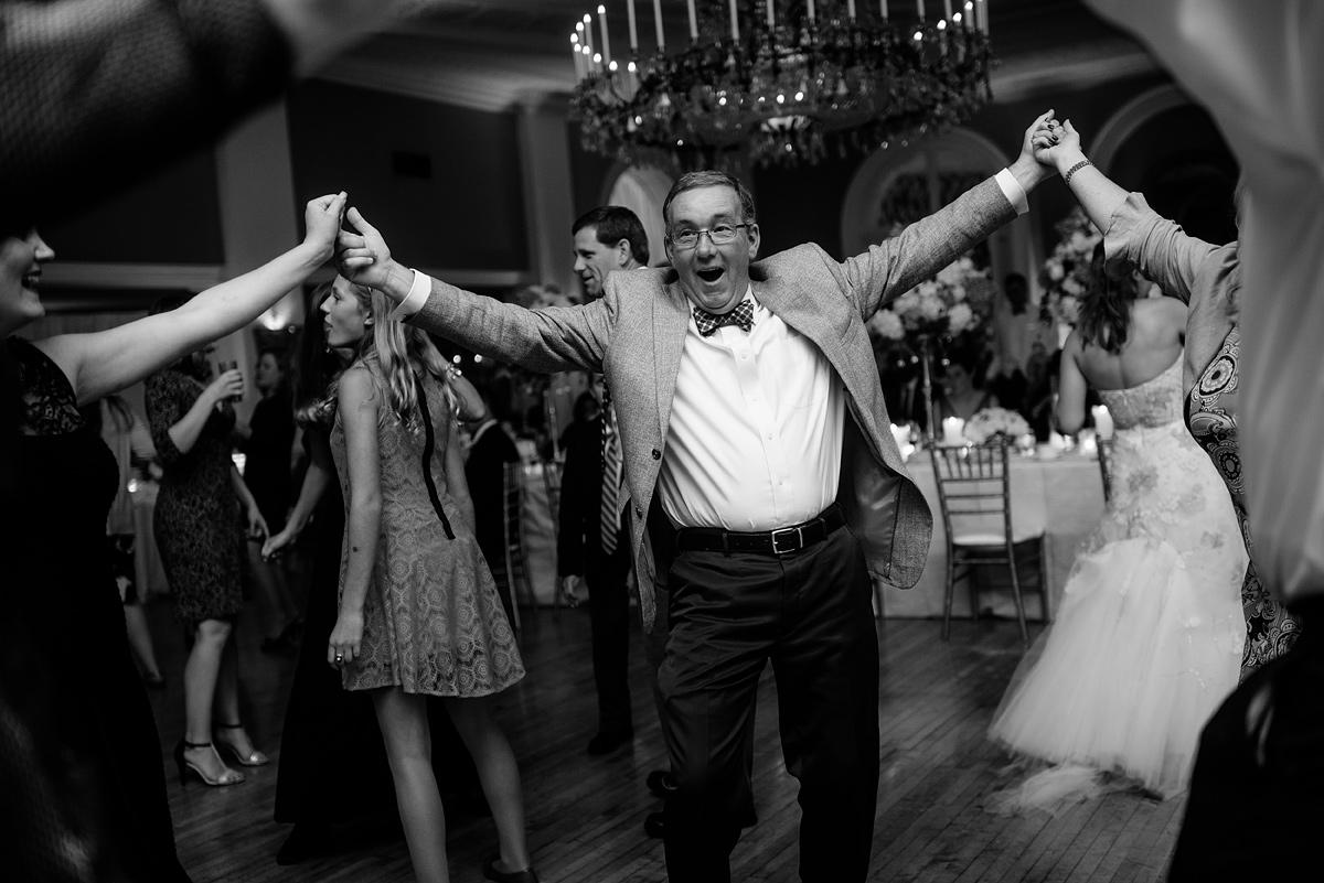 081b fun greenbrier resort wedding reception guests dancing