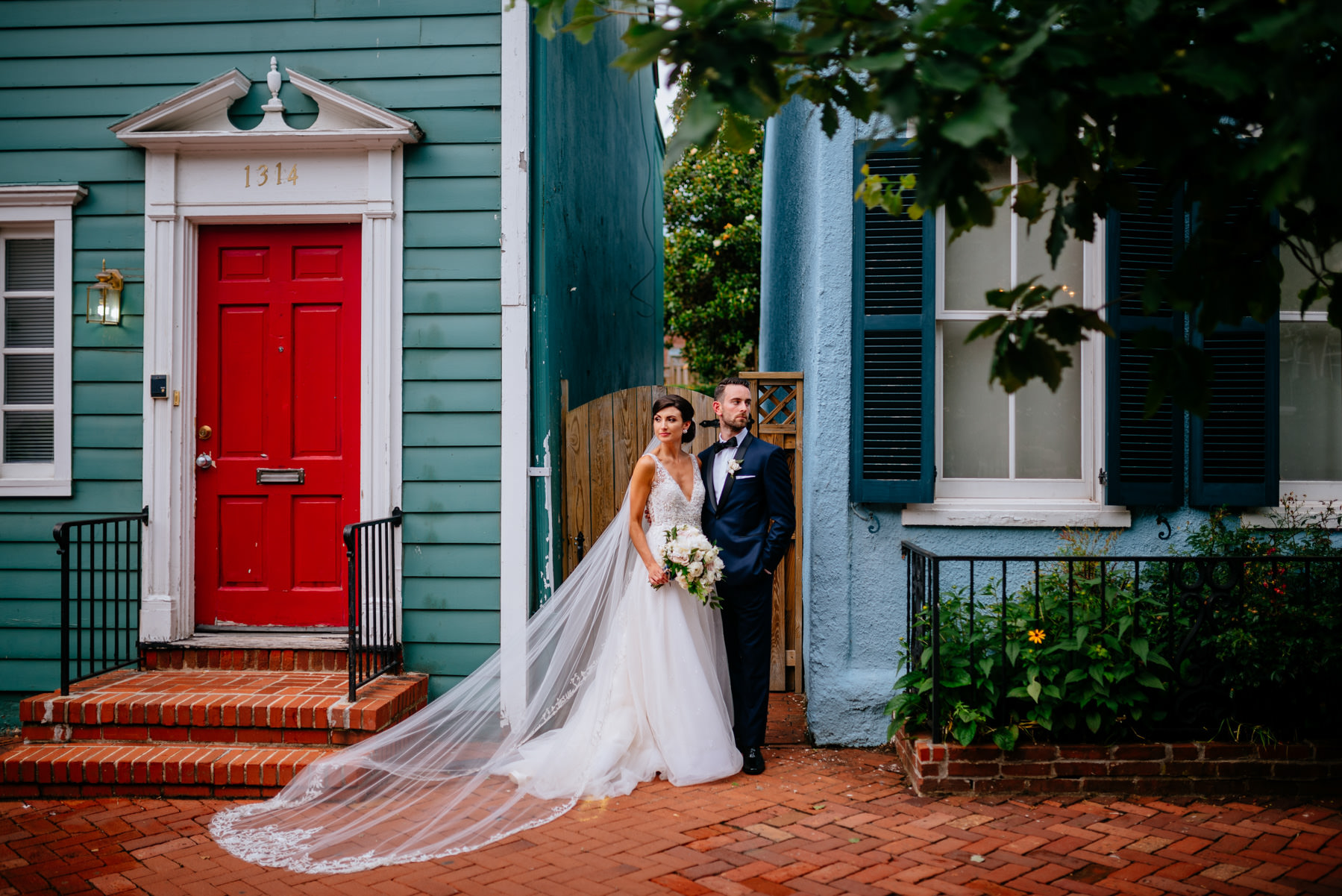 bride and groom in georgetown