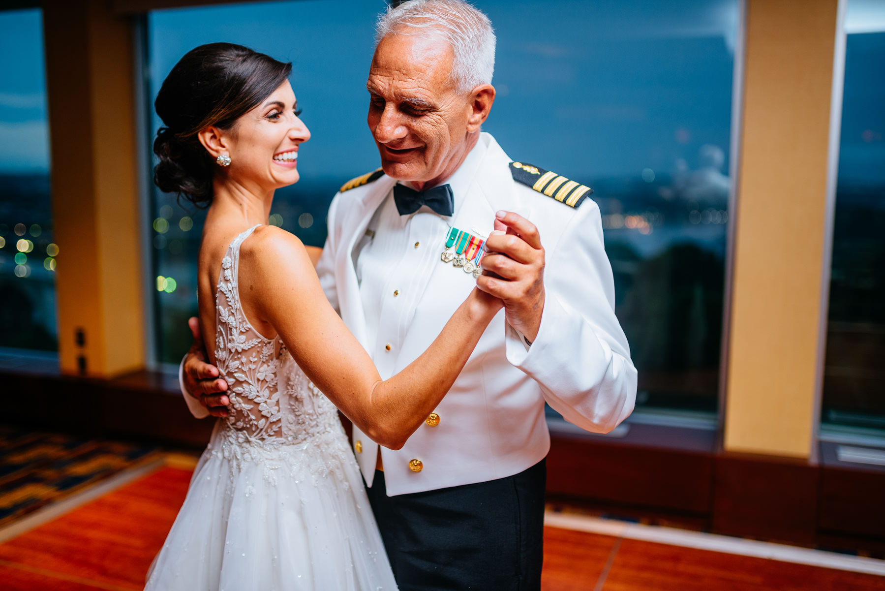 bride dance with dad