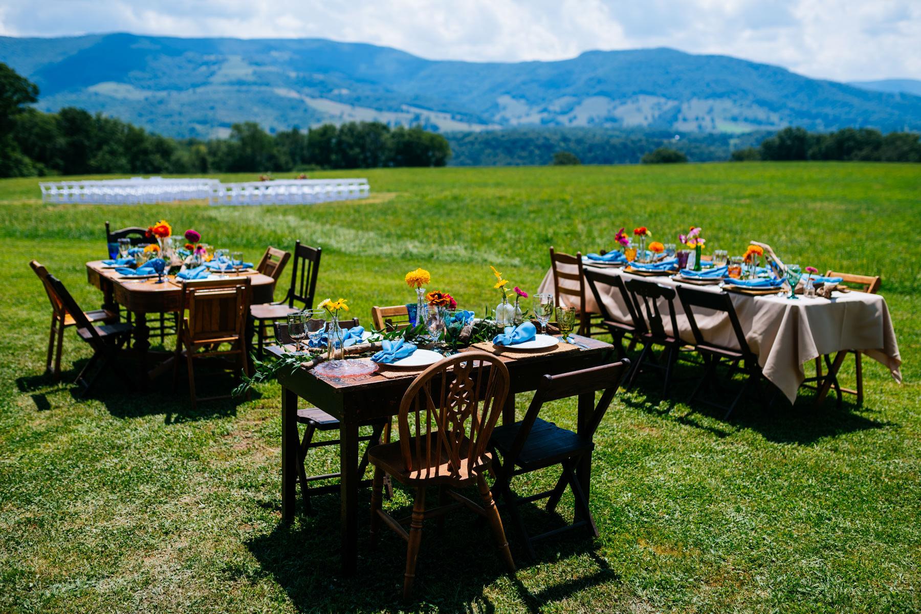 outdoor vintage wedding decor