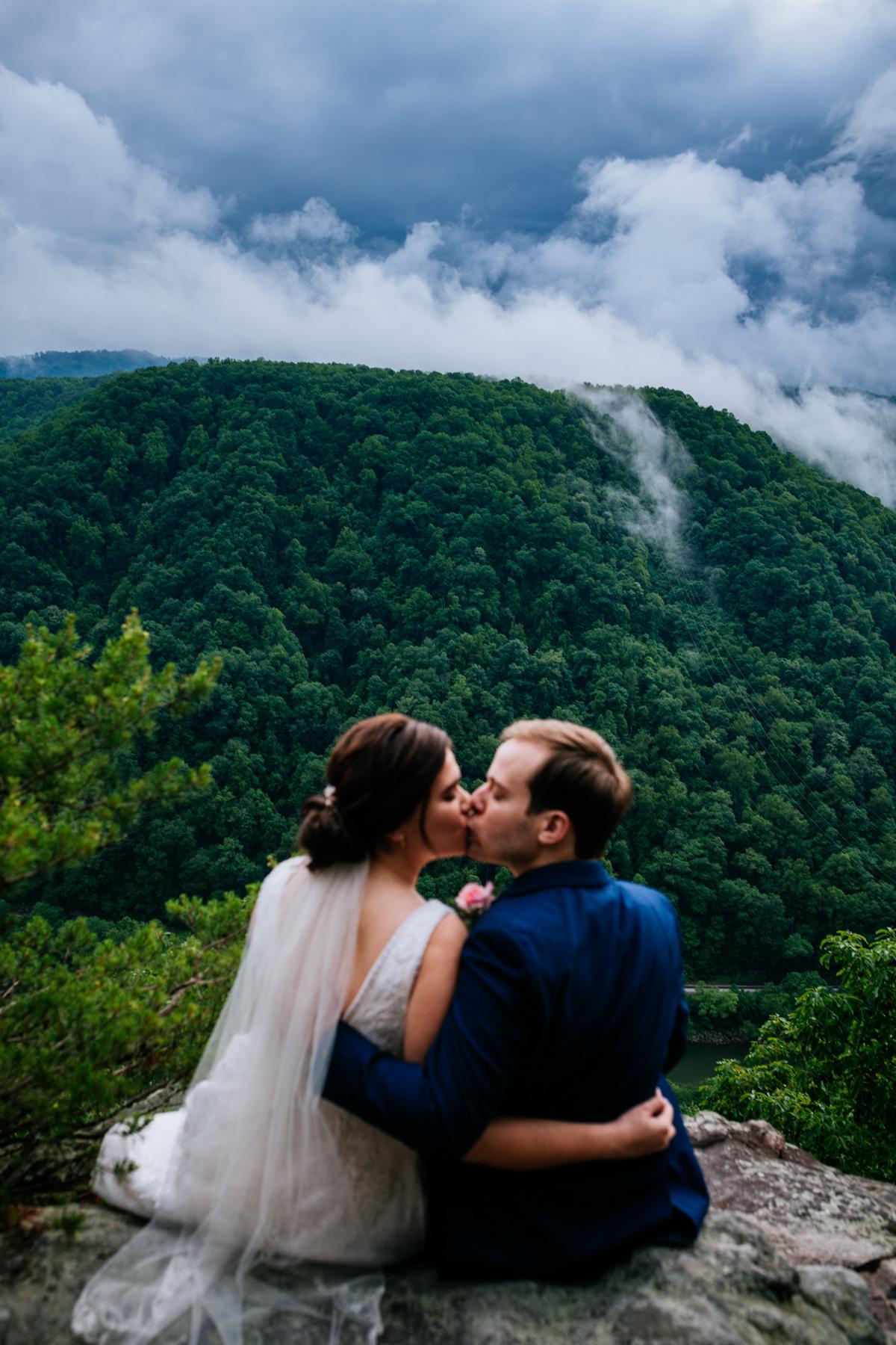 kissing at new river gorge wedding
