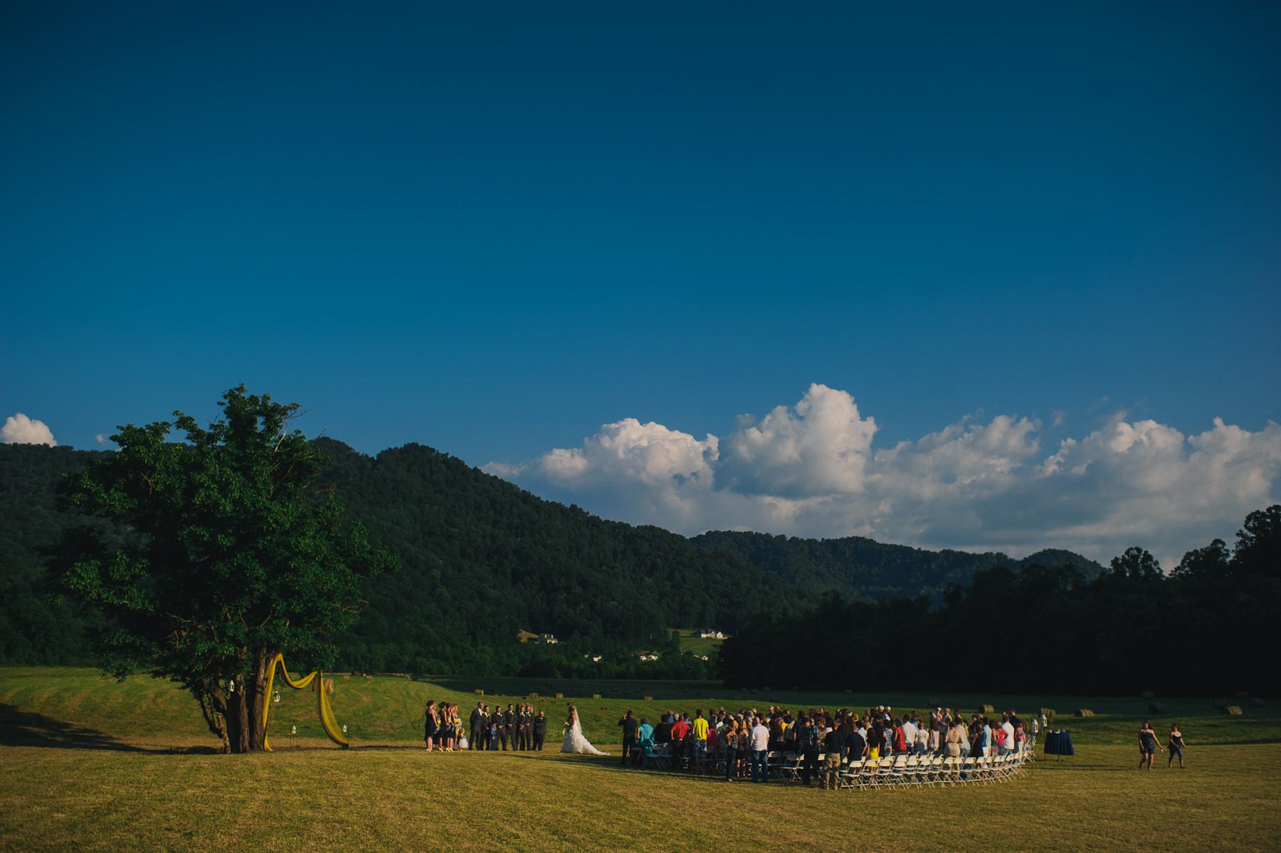 outdoor westvirginia field wedding1