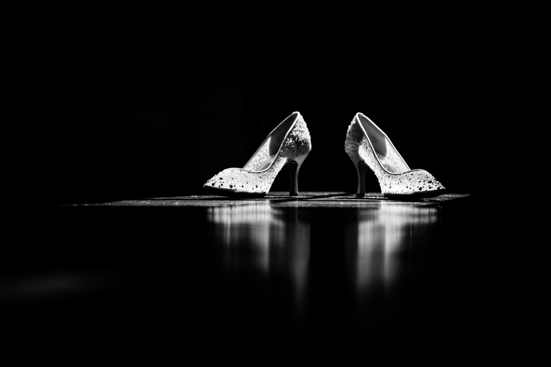 wedding details shoes in black and white